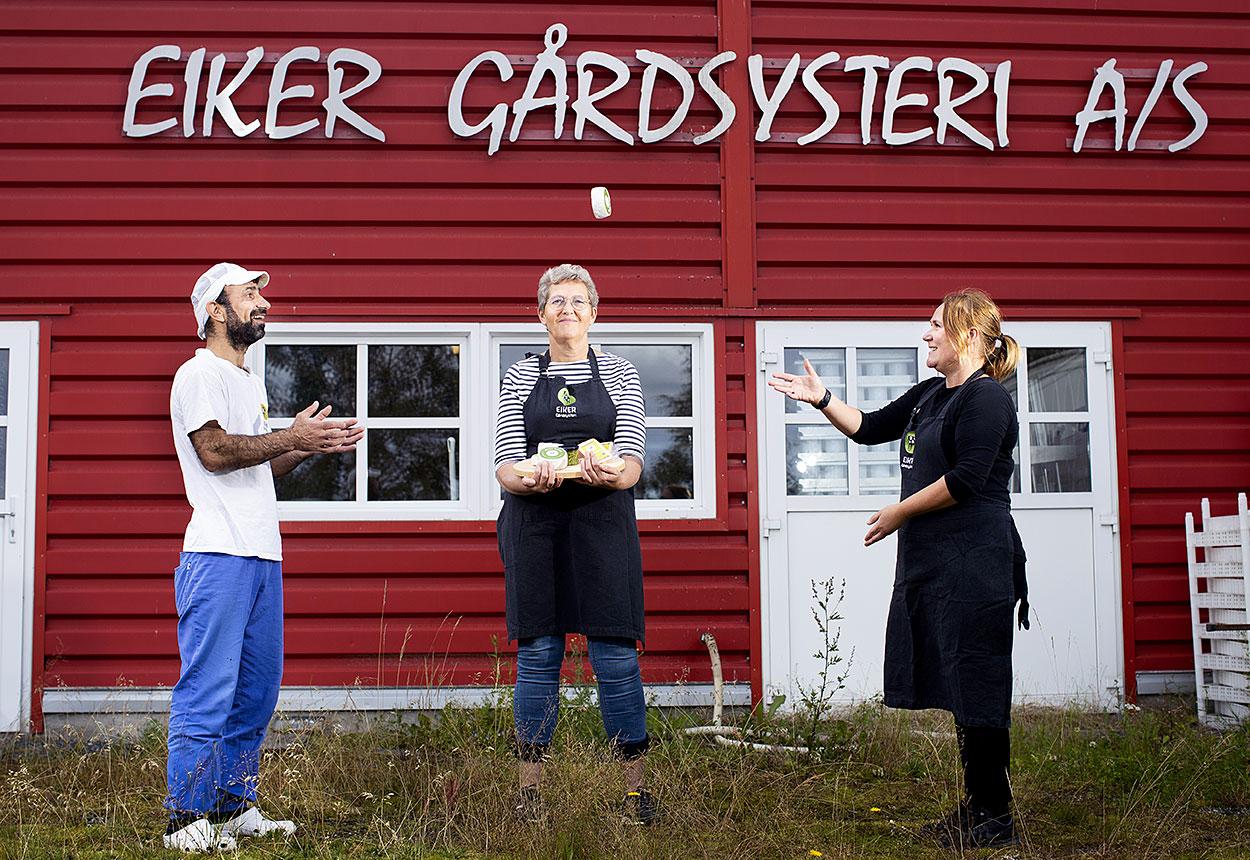 Read more about the article Gratulere til Eiker Gårdsysteri og Valmsnes gård!